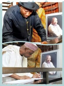 President Jonathan & VP Sambo signing the condolence register at the home of late Oronto Douglas, April 9.